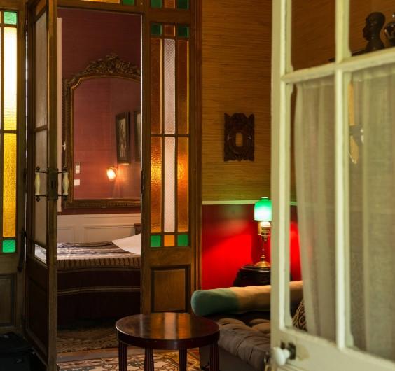 """Location de vacances - Chambre d'hôtes à Marseille - """"La suite"""" dans notre maison d'hôte à Marseille"""