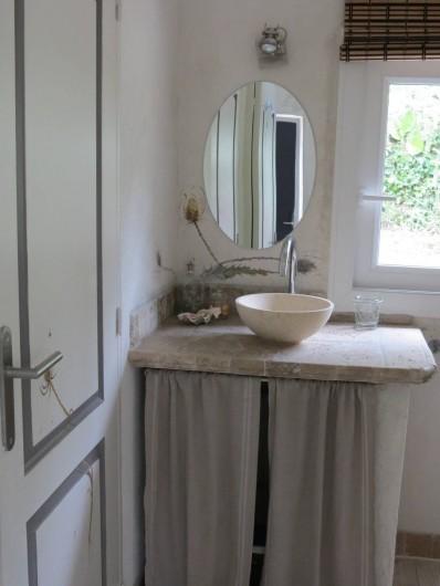 Location de vacances - Villa à Nyons - salle d'eau.