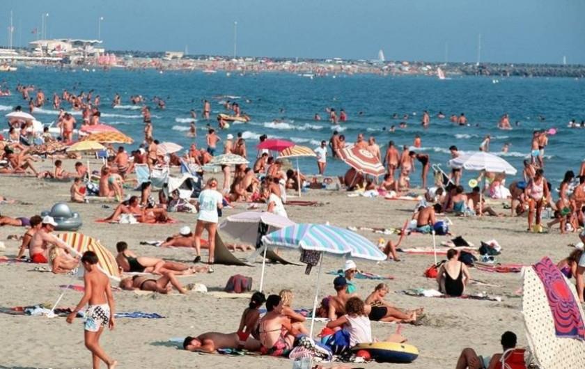 Location de vacances - Appartement à Pézenas - PLAGE DU CAP D'AGDE EN AOUT. A MOINS DE 20 KMS.