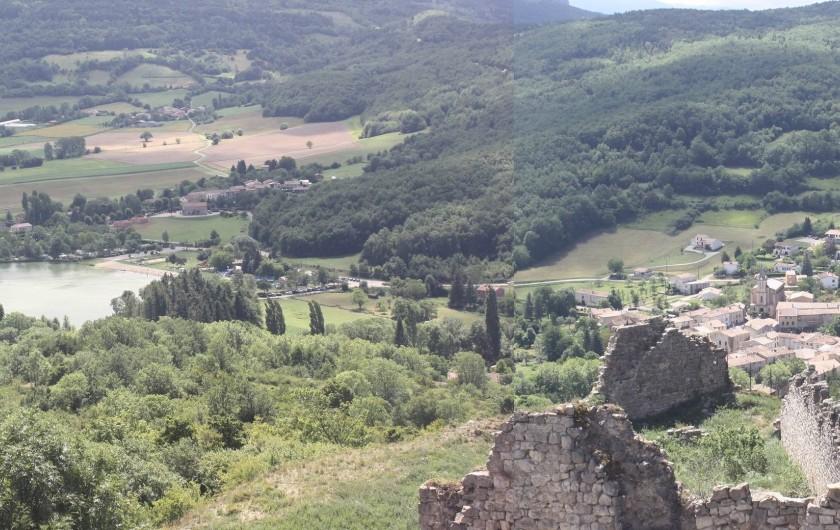 Location de vacances - Gîte à Puivert - Panorama (lac et village) depuis le château