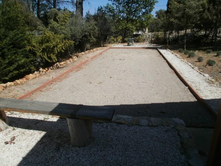 Location de vacances - Chambre d'hôtes à Carcès - Le terrain de pétanque