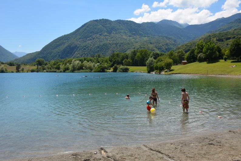 Location de vacances - Chalet à Saint-Georges-d'Hurtières - Lac de baignade à 5 minutes