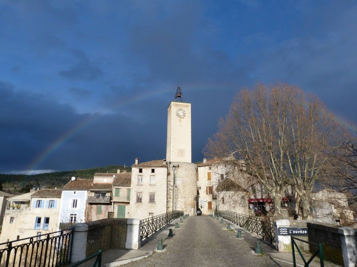 Location de vacances - Gîte à Mollans-sur-Ouvèze - Arc en ciel sur le pont de Mollans en hiver