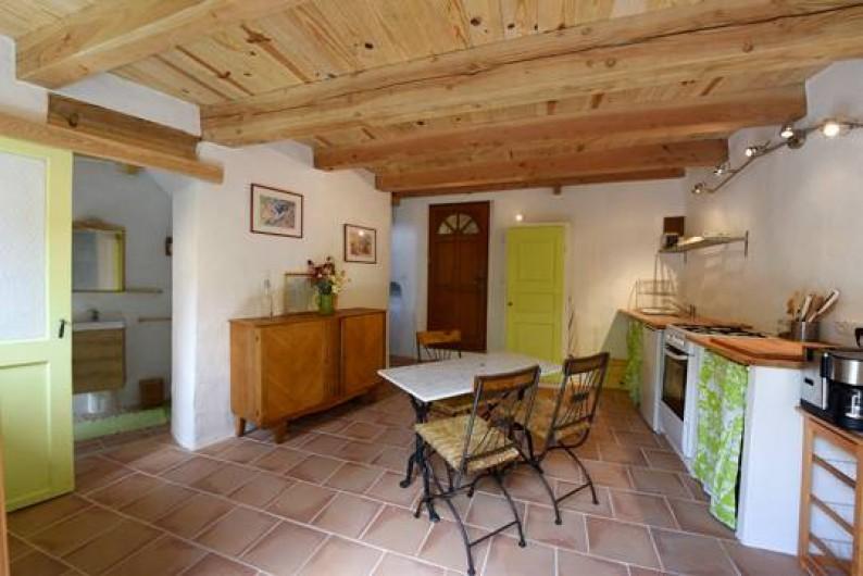 Location de vacances - Gîte à Mollans-sur-Ouvèze - Cuisine et séjour Rez de chaussée