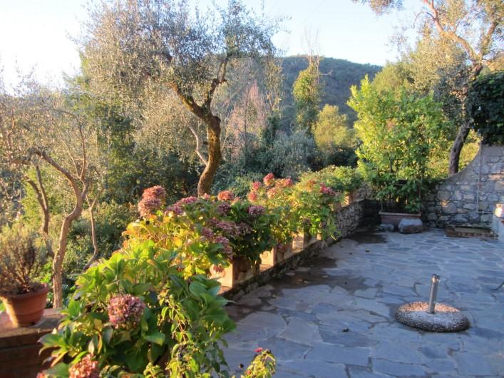 Location de vacances - Villa à La Spezia - La grande terrace devant la Villa