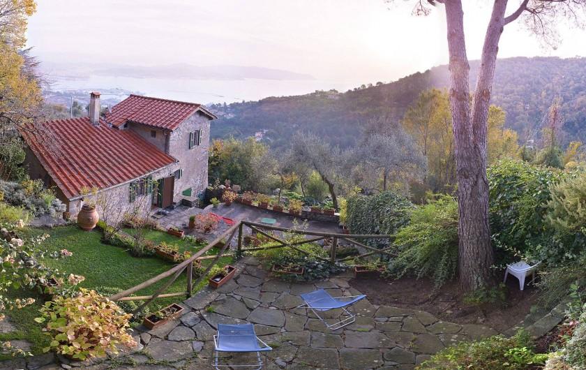 Location de vacances - Villa à La Spezia - La Villa et son jardin
