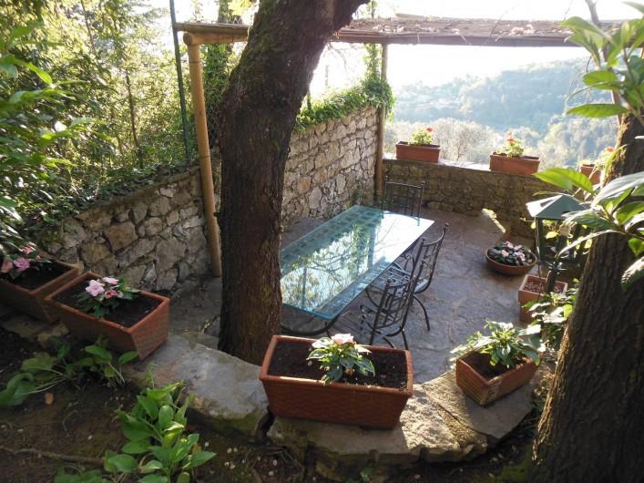 """Location de vacances - Villa à La Spezia - La terrace pour diner au """"fresco"""""""