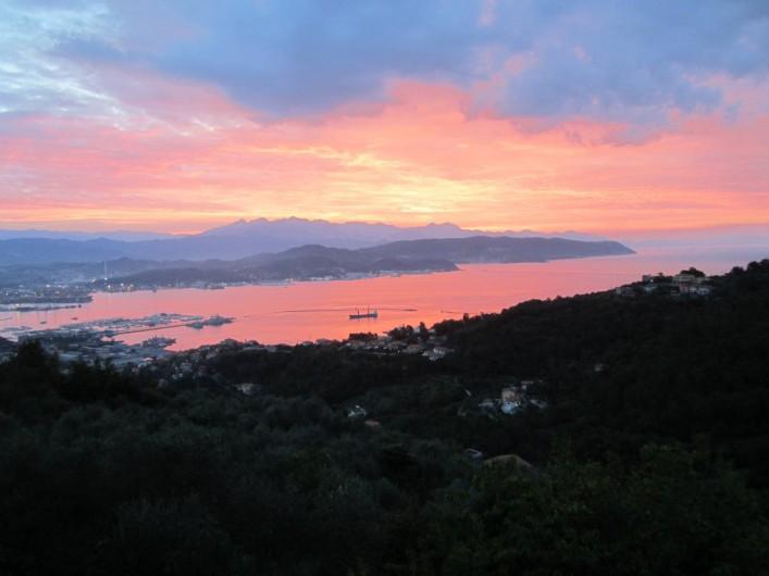Location de vacances - Villa à La Spezia - La levee du soleil!