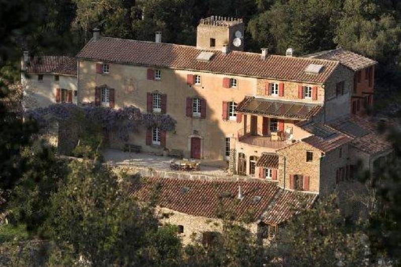 Location de vacances - Gîte à Vieussan - la grande maison pour vos réunions de familles/séminaire/cousinades