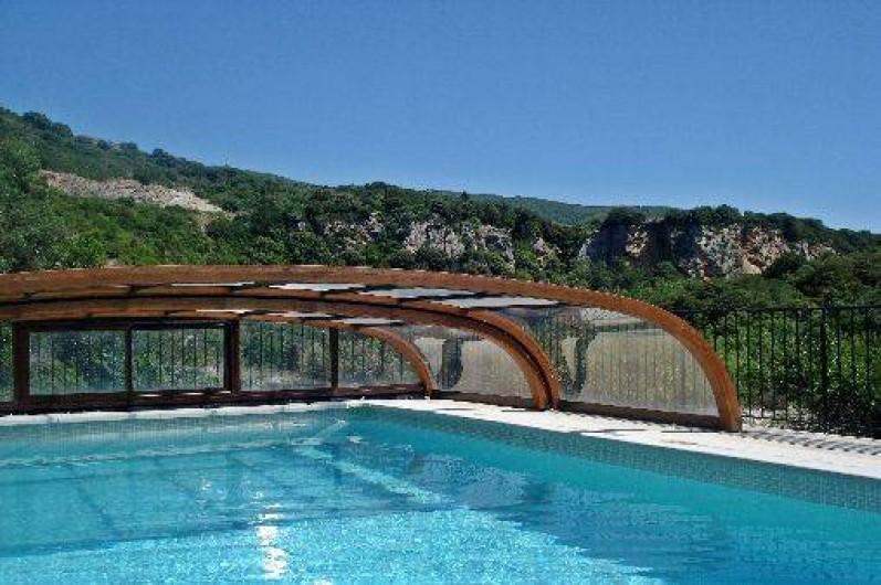 Location de vacances - Gîte à Vieussan - grande piscine sécurisée pour cousinades et réunions de familles