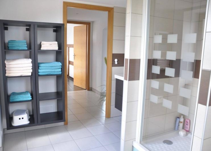 Location de vacances - Gîte à Neuve-Église - Salle de bain