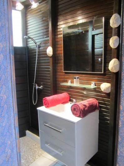 Location de vacances - Studio à Sainte-Luce - Salle de douche