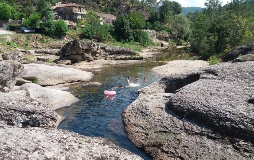 Location de vacances - Gîte à Gagnières - Notre rivière