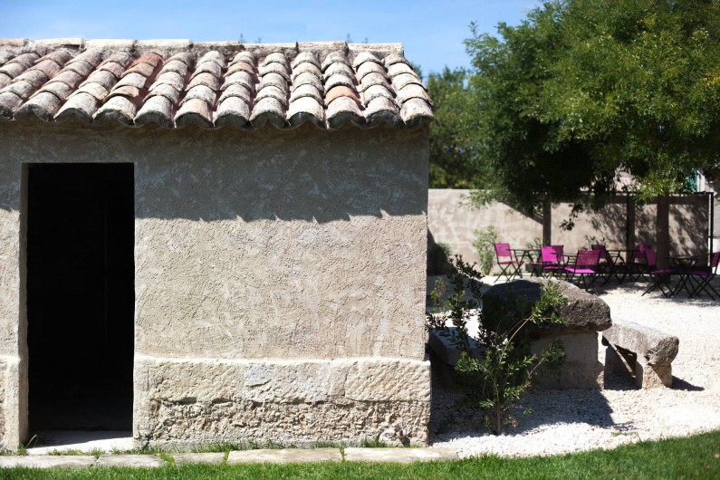 Location de vacances - Mas à Barbentane - L'autre côté du jardin