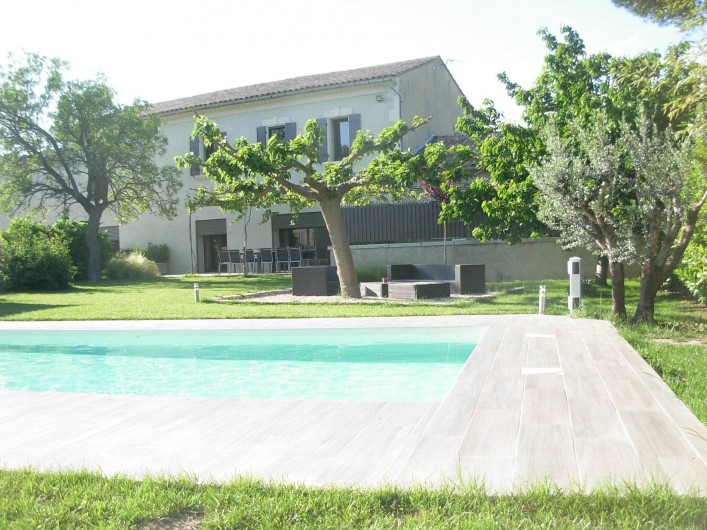 Location de vacances - Mas à Barbentane - Piscine sécurisée par une alarme périmétrique + une barrière amovible sur demand