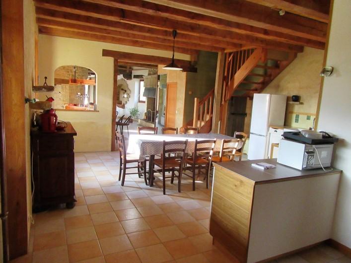 Location de vacances - Villa à Salviac - Cuisine ; 35m2 1er ét.