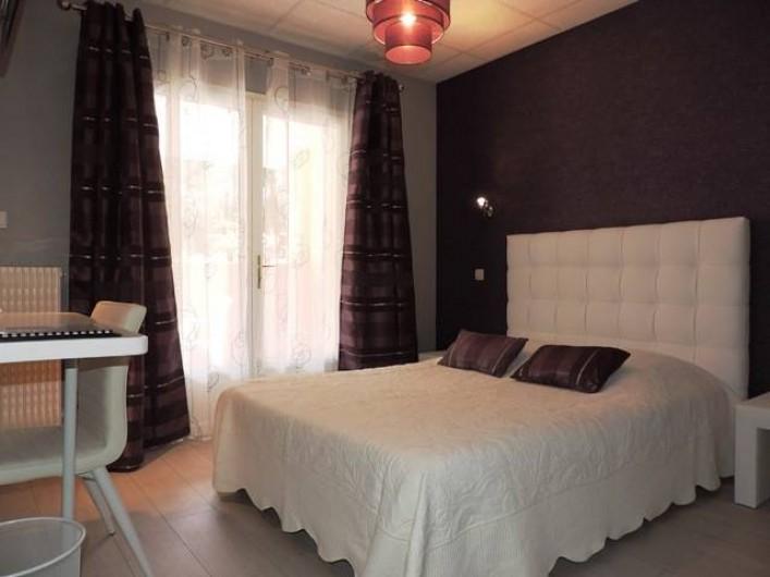 Location de vacances - Hôtel - Auberge à Saint-Paul-de-Fenouillet - chambre avec loggia
