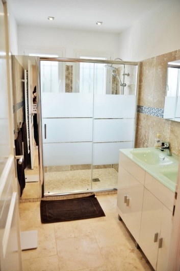 Location de vacances - Villa à Le Tignet - Salle de douche