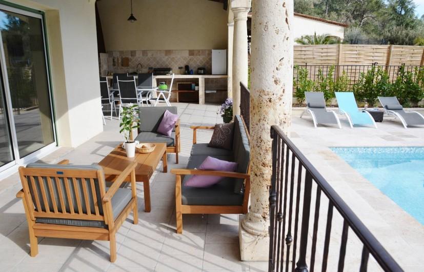 Location de vacances - Villa à Le Tignet - Terrasse couverte