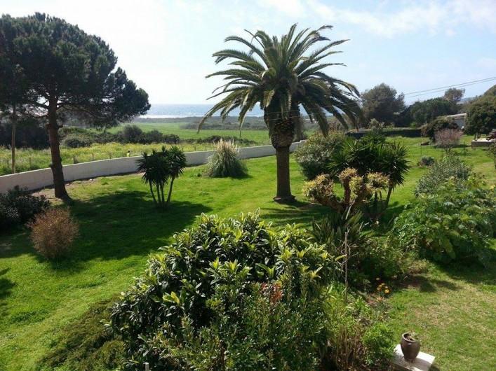 Location de vacances - Appartement à Cargèse - Vue du jardin