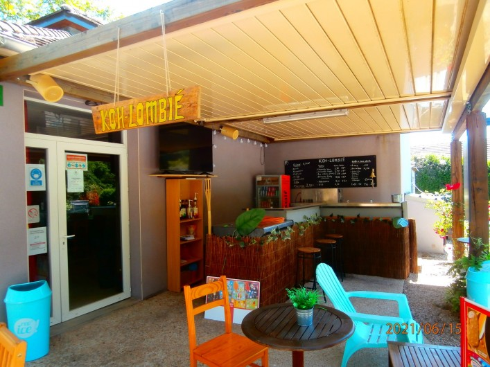 Location de vacances - Chalet à Saint-Geniez-d'Olt - Bar de l'accueil. Accès internet