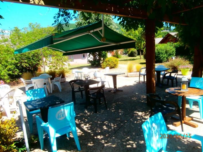 Location de vacances - Chalet à Saint-Geniez-d'Olt - Terrasse de l'accueil