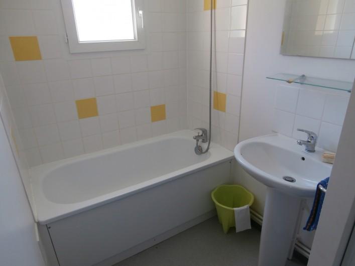 Location de vacances - Chalet à Saint-Geniez-d'Olt - Salle de bain