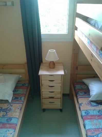 Location de vacances - Chalet à Saint-Geniez-d'Olt - Chambre 2