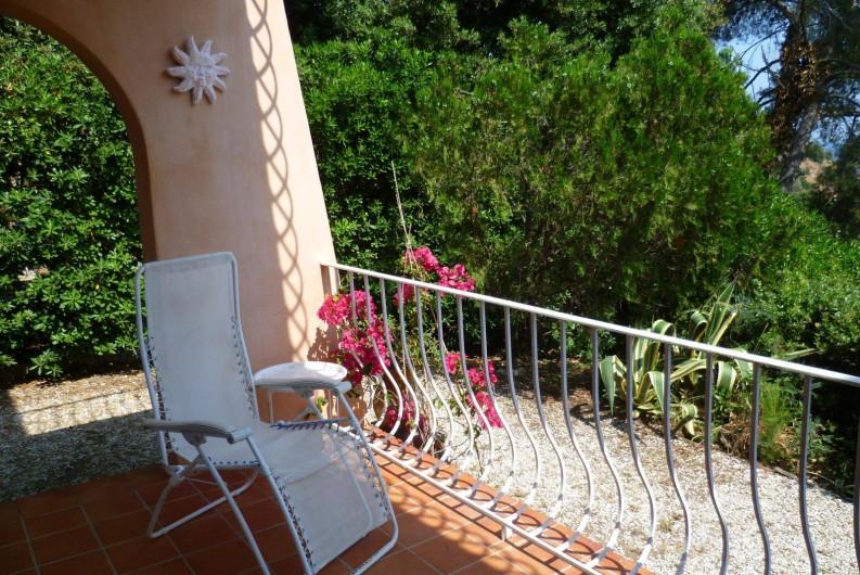 Location de vacances - Appartement à Cavalaire-sur-Mer - Autre vue de la terrasse
