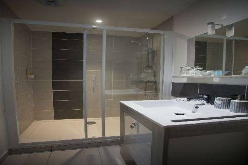 Location de vacances - Chambre d'hôtes à Nivillac - Salle d'eau Rétro/Brocante