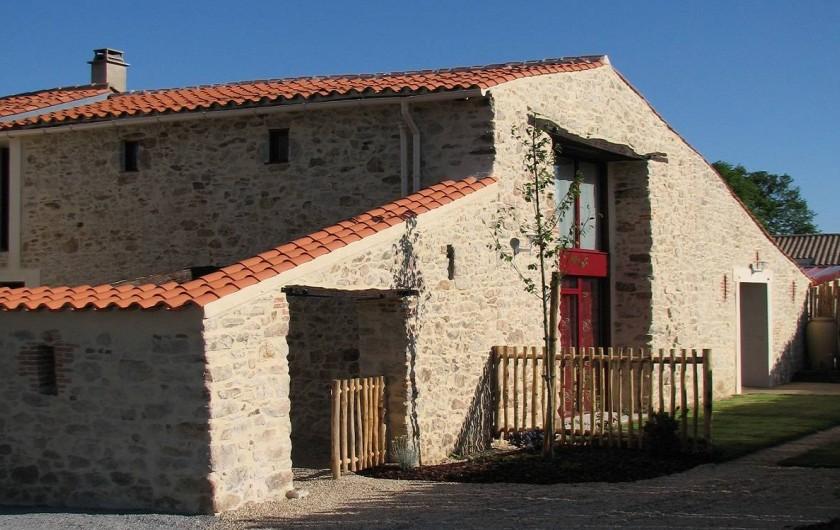 Location de vacances - Gîte à Les Clouzeaux - Charme de la pierre apparente et décoration contemporaine