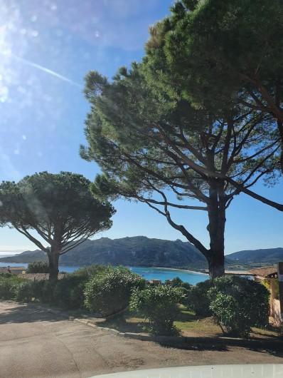 Location de vacances - Villa à Porto-Vecchio - Vue de l'entrée de la résidence