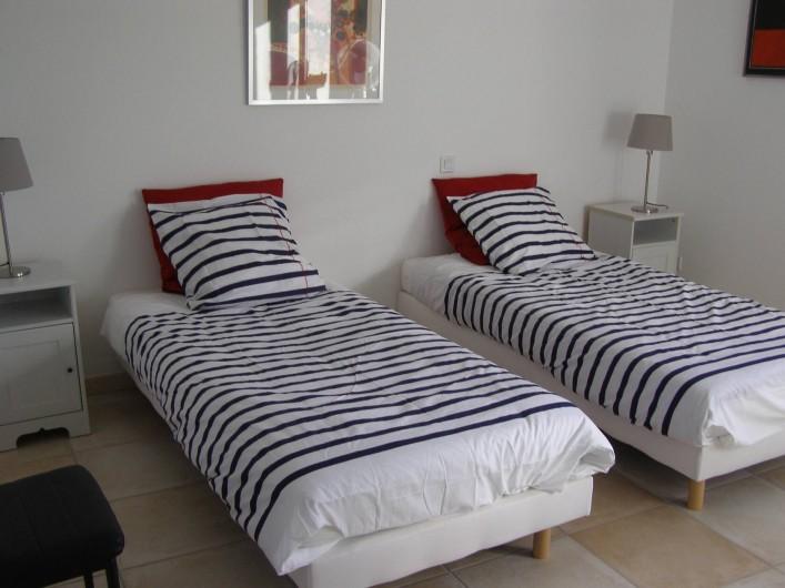 Location de vacances - Villa à Argilliers - chambre 2