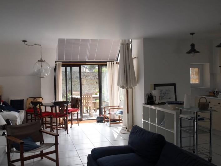 Location de vacances - Villa à Larmor-Baden - vue façade côté rue