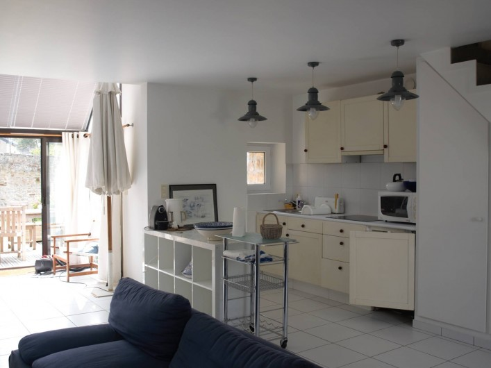 Location de vacances - Villa à Larmor-Baden - vue sur la cuisine américaine