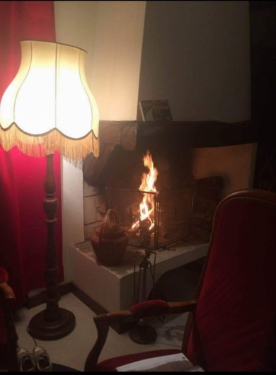 Location de vacances - Appartement à Sengouagnet - Cheminée pour les soirée au coin du feu