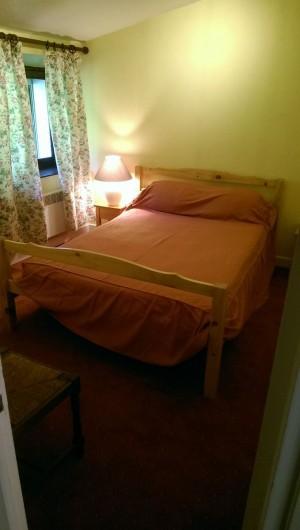 Location de vacances - Appartement à Sengouagnet - Chambre 2 Lit en 140 Placard de rangement