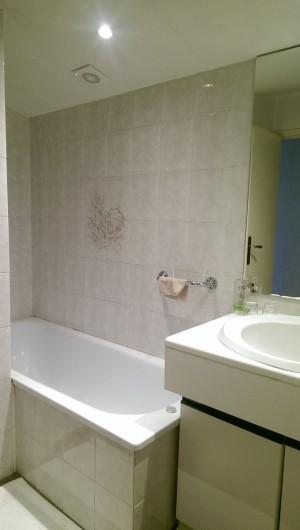 Location de vacances - Appartement à Sengouagnet - Salle de bain avec Baignoire