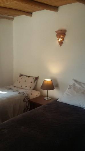 Location de vacances - Villa à Essaouira - Chambre lits jumeaux qui peuvent faire un grand lit double