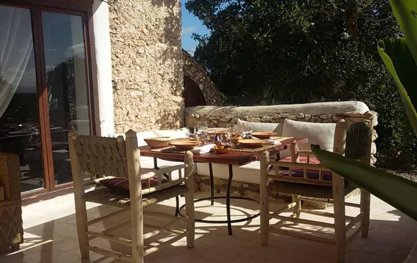 Location de vacances - Villa à Essaouira - l une des 2 terrasses avec barbecues