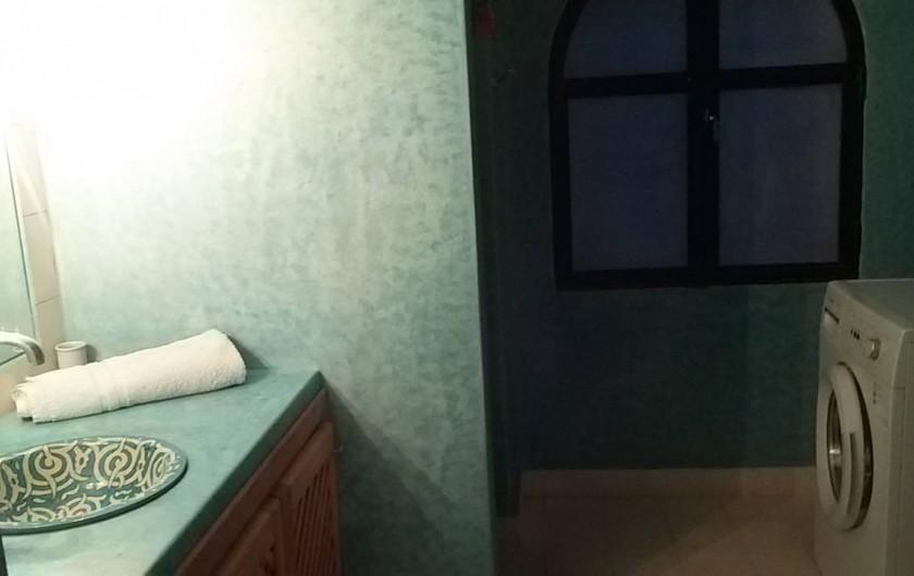 Location de vacances - Villa à Essaouira - 1 s de douche + lavabo + WC + lave linge