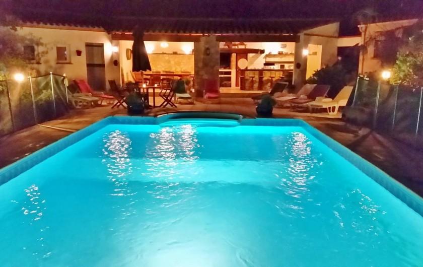 Location de vacances - Villa à Malves-en-Minervois - L'endroit idéal pour vos soirées estivales.......