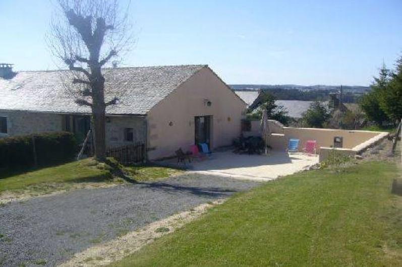 Location de vacances - Gîte à Saint-Chély-d'Apcher - Vue extérieure