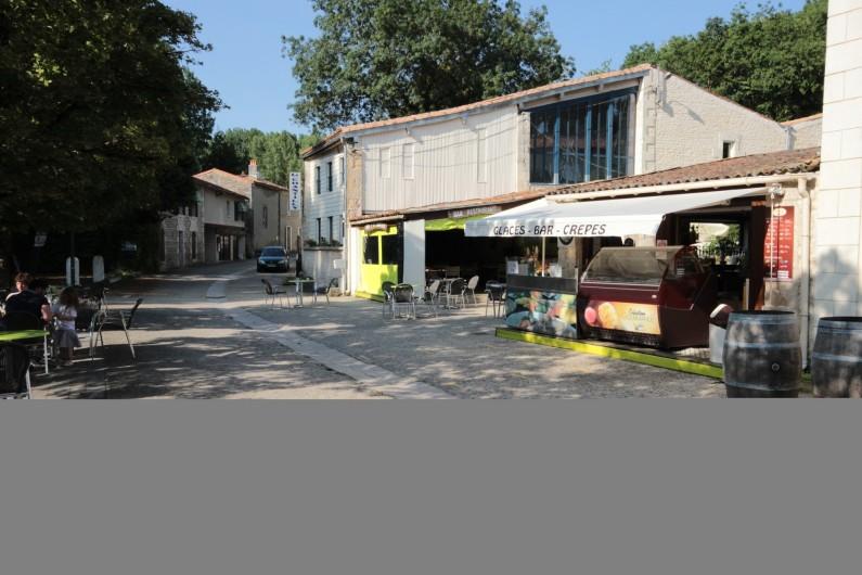 """Location de vacances - Bungalow - Mobilhome à La Garette - Restaurant """"Le Chantilly"""" en face le camping"""