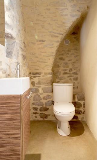 Location de vacances - Mas à Bouquet - Un toilette séparé au rez-de-chaussée
