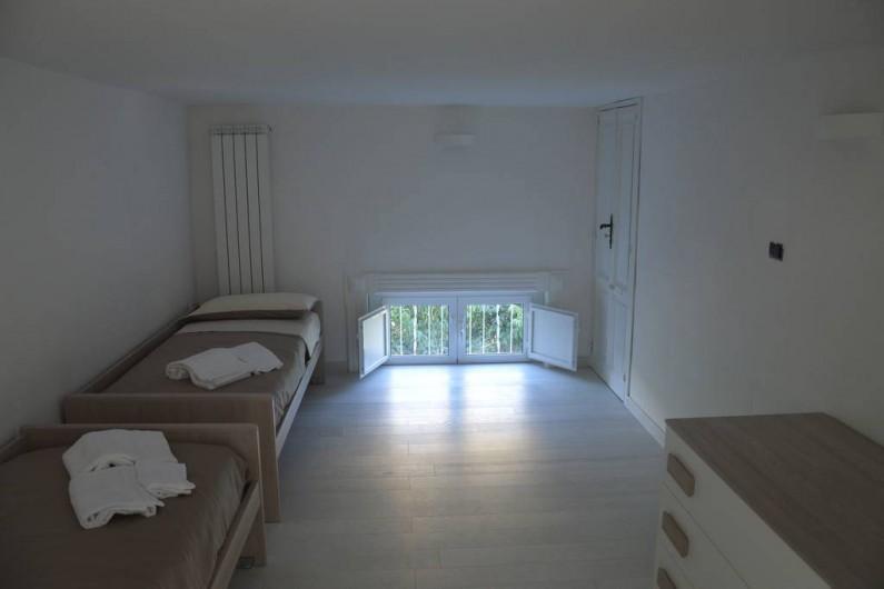 Location de vacances - Appartement à Naples - Une autre chambre avec deux ou trois lits simples