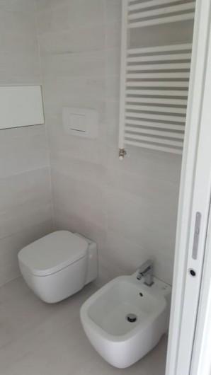 Location de vacances - Appartement à Naples - Une des quatre salles de bain