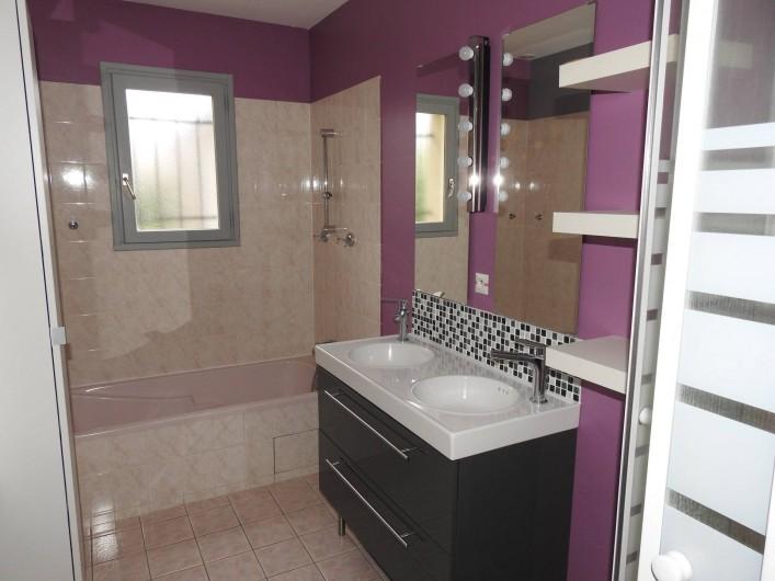 Location de vacances - Maison - Villa à Tour-en-Sologne - Salle de bain rez de chaussée