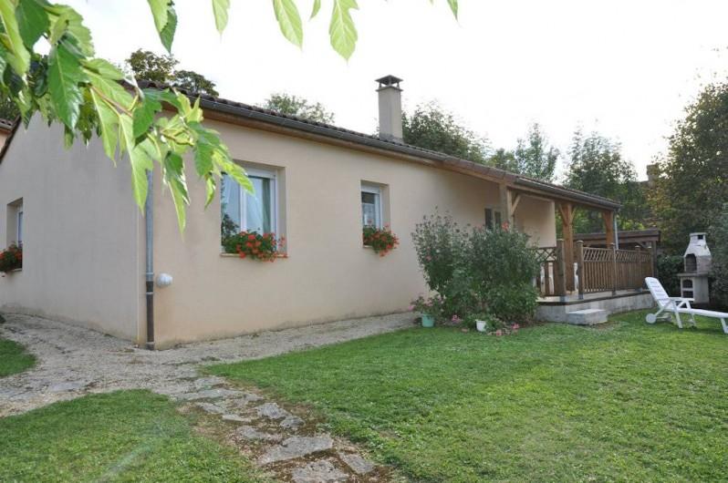 Location de vacances - Gîte à Le Bougayrou - Pavillon côté vallée de la Dordogne