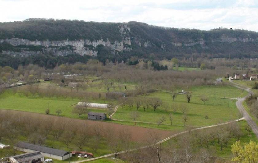 Location de vacances - Gîte à Le Bougayrou - Falaises et plaine de la vallée de la Dordogne